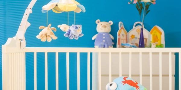 Les accessoires indispensables pour le lit de b b for Accessoires chambre bebe