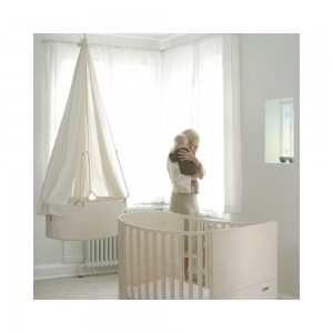 Le berceau suspendu pour bercer votre b b en toute - Lit bebe qui s accroche au lit des parents ...