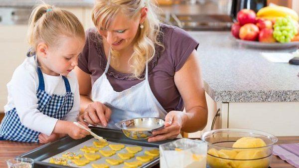 activités manuelles enfant cuisiner
